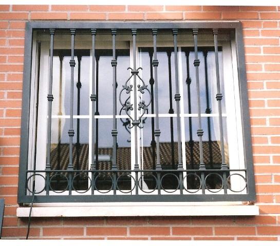 Rejas de diseo en forja y hierro forjado para ventanas puertas car interior design - Rejas hierro forjado ...